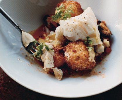 [Cod w mussels chorizo fried croutons and saffron mayo]